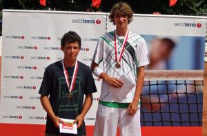 Alex & Dani-Einzel Siegerehrung_Swiss Junior Championships 2010