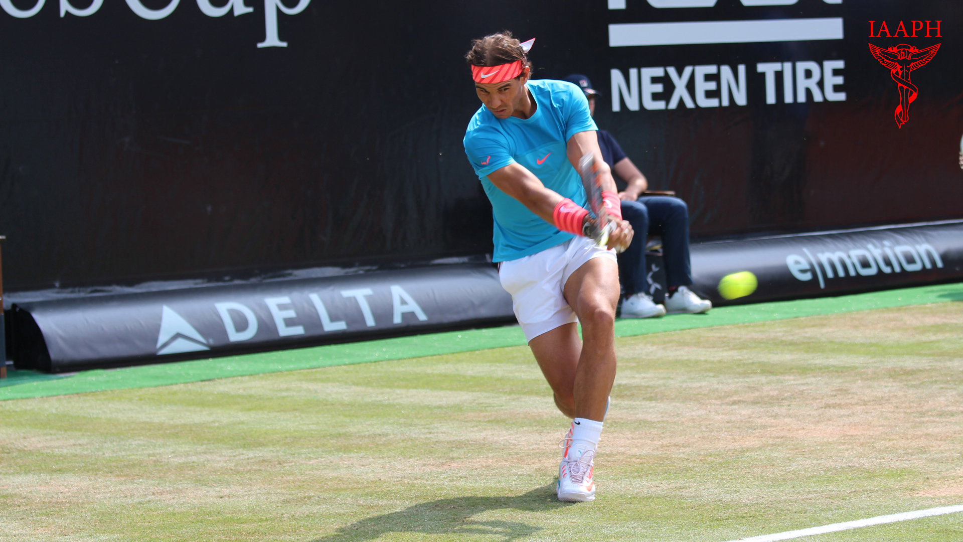 Nadal is one of the best players of the backhand.